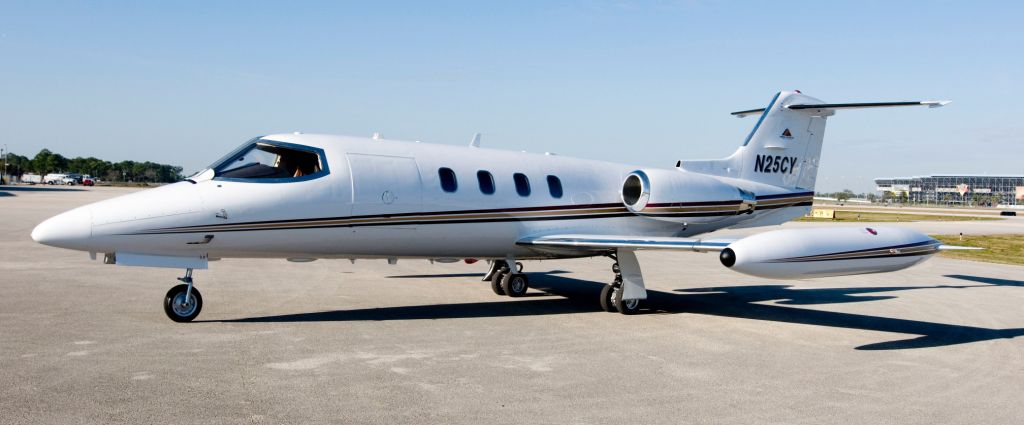 SOLD Learjet  25D sn 272 w/ RVSM